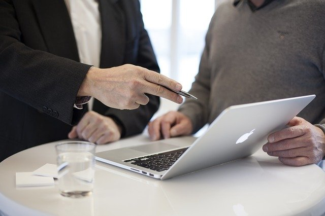 Consulting with an Expert Witness Prior to Filing a Lawsuit
